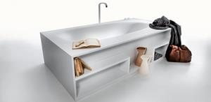 Bathtub with a hanging wooden shelf of Falper / Vascamisura