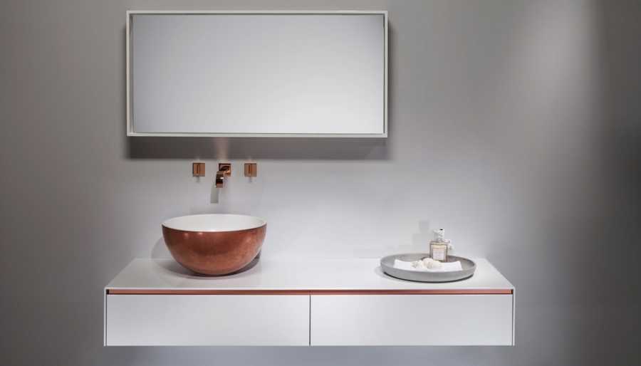 Regia - Italian Bathroom Furniture and washbasin.